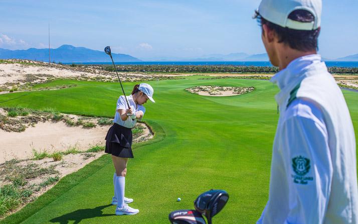 vietnam virtual experiences golf