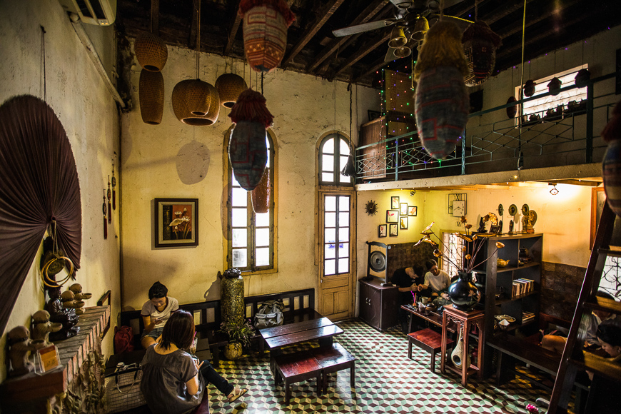 hidden cafes in hanoi