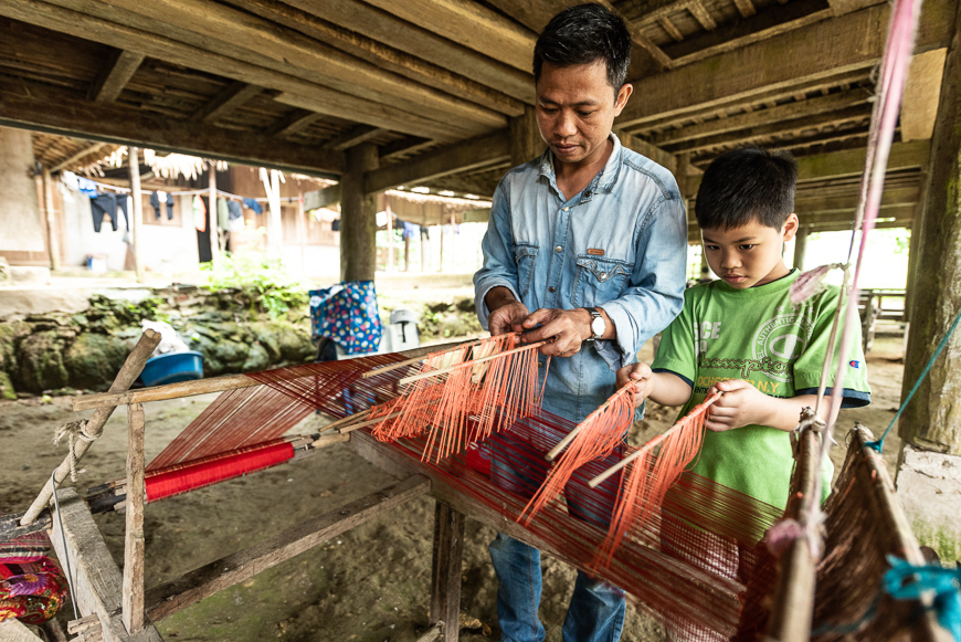 Weaving workshop in Pu Luong