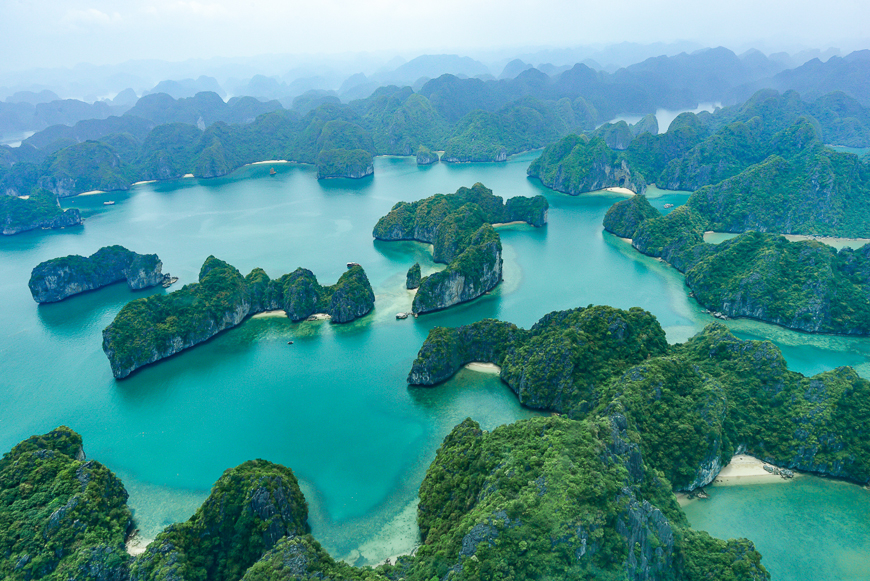 halong bay vietnam tourism