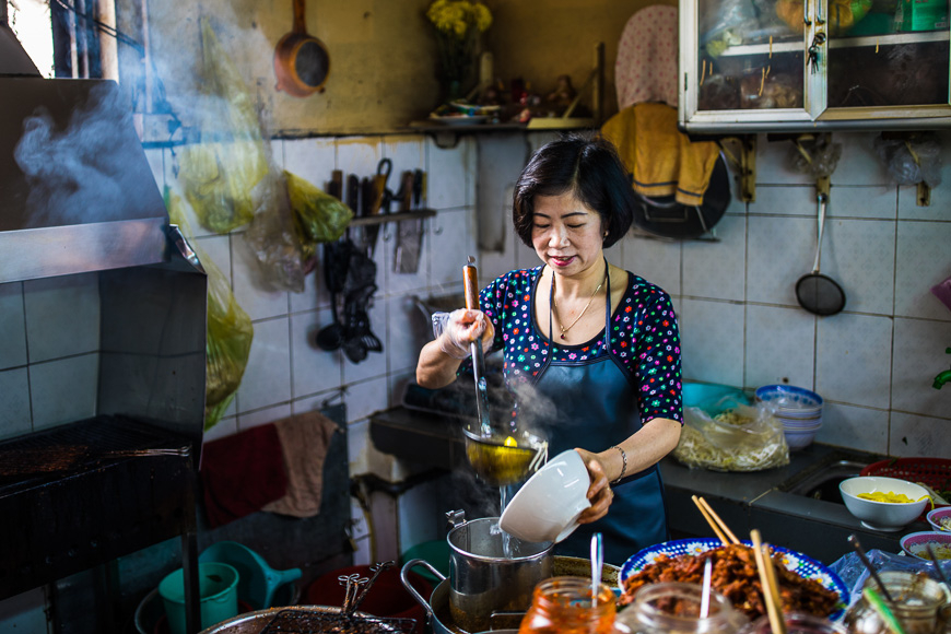 eating streetfood in vietnam