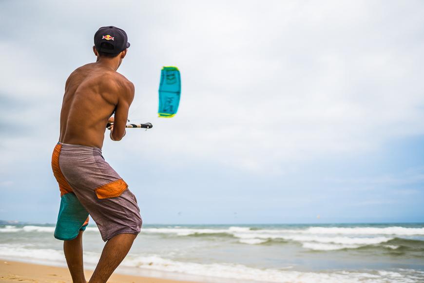kiteboarding schools in mui ne