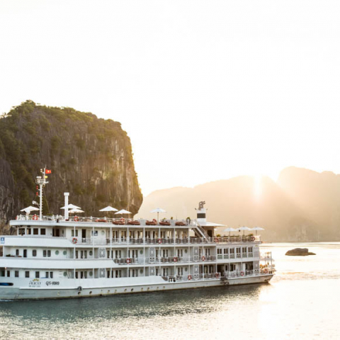 The Au Co Luxury Cruise